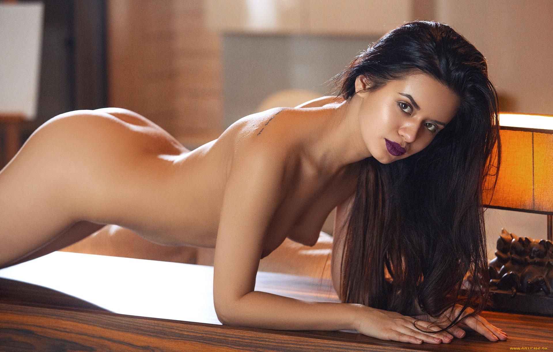 Carmen descar naked